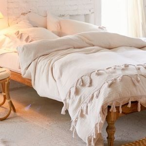 Urban Outfitters bungalow netted trim duvet+shams